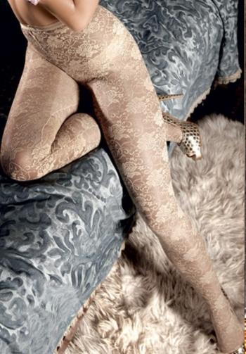 Panty de encaje nude
